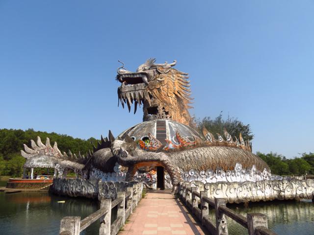 Hue - verlaten waterpark